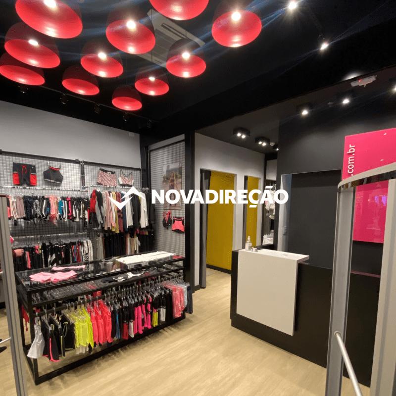 loja de roupas interna shopping curitiba